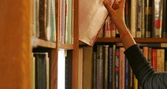 Libraries to be run by trusts